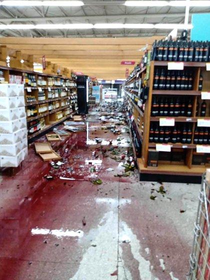 Varios supermercados sufrieron destrozos (Télam)