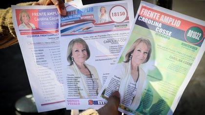 Vista de las listas de votación de la candidata a la Intendencia de Montevideo, Carolina Cosse el 24 de septiembre de 2020, en Montevideo (Uruguay). EFE/Raúl Martínez