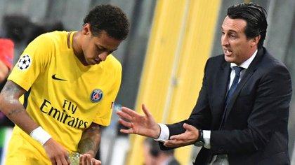 El entrenador de 47 años dirigió por dos años al PSG
