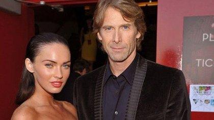 Megan Fox con el director Michael Bay, con el que tuvo el altercado que la alejó de Hollywood por un tiempo