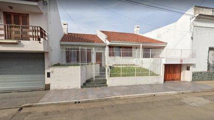 La casa de la docente ubicada en la calles San Luis al 1000 de la ciudad de Concordia en la provincia de Entre Ríos