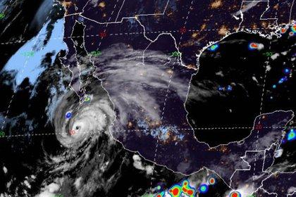Algunos estados han activado la alerta azul, verde y amarilla por el paso del huracán Geneveive (Foto: RAMMB)