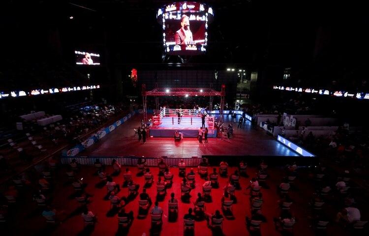 Una pelea de boxeo en el Polideportivo Alexis Argüello de Managua, Nicaragua, el 25 de abril de 2020 (REUTERS/Oswaldo Rivas)