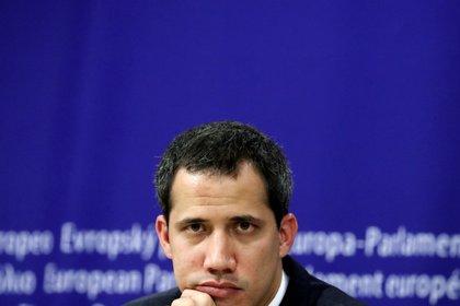 El líder de la oposición venezolana, Juan Guaidó, durante una conferencia de prensa en una sede del Parlamento Europeo en Bruselas. 22 de enero de, 2020.  REUTERS/Yves Herman