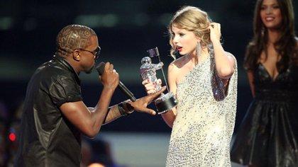 Taylor Swift y Kanye West comenzaron su batalla en 2009 (Foto: Archivo)