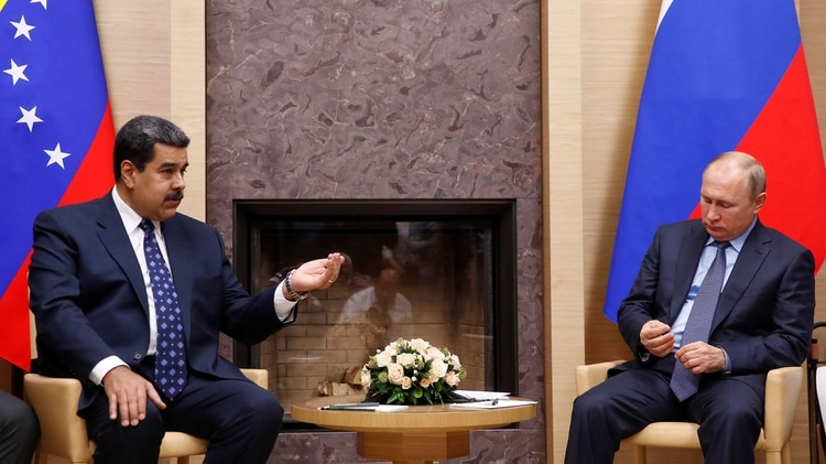 Maduro y Putin conversaron de distintos temas (REUTERS/Maxim Shemetov)