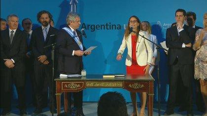 Si bien sonaron los nombres de Victoria Donda y Malena Galmarini, Alberto Fernández la eligió luego de escucharla hablar sobre las dificultades que enfrentan las mujeres en el mundo de la política.