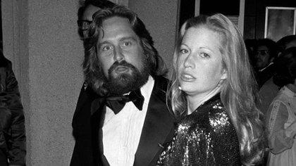 Diandra Luker y Michael Douglas en la edición 47 de los Oscar (Shutterstock)