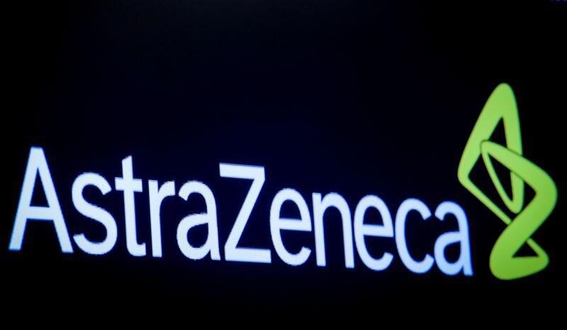 Imagen de archivo: El logotipo de la compañía farmacéutica AstraZeneca se muestra en una pantalla en el piso de la Bolsa de Valores de Nueva York (NYSE) en Nueva York, EE. UU. 8 de abril de 2019. REUTERS / Brendan McDermid