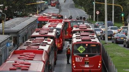 Habilitan estaciones de TransMilenio que habían cerrado tras protestas de comerciantes en Bogotá