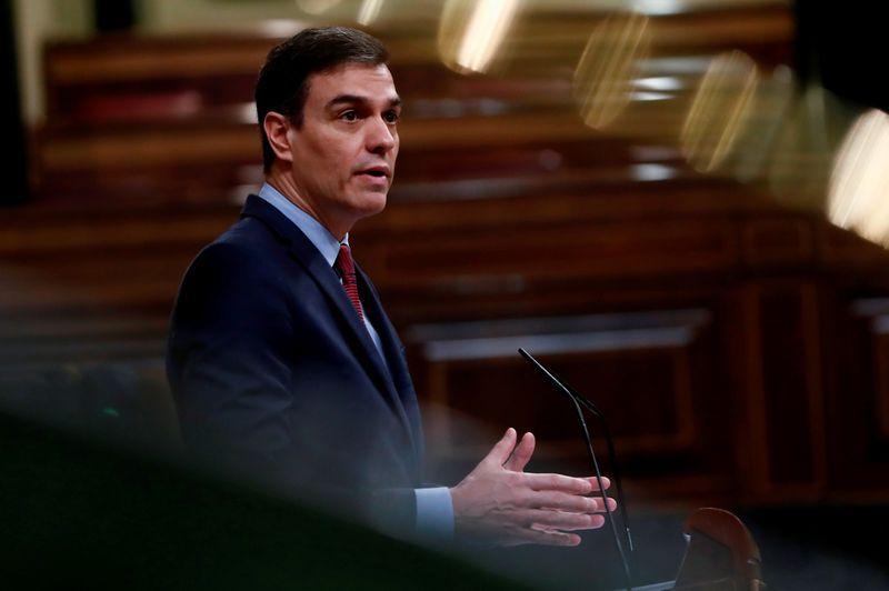 El presidente de España, Pedro Sánchez, informó qué actividades podrán realizarse durante la cuarentena a partir del lunes (Reuters)