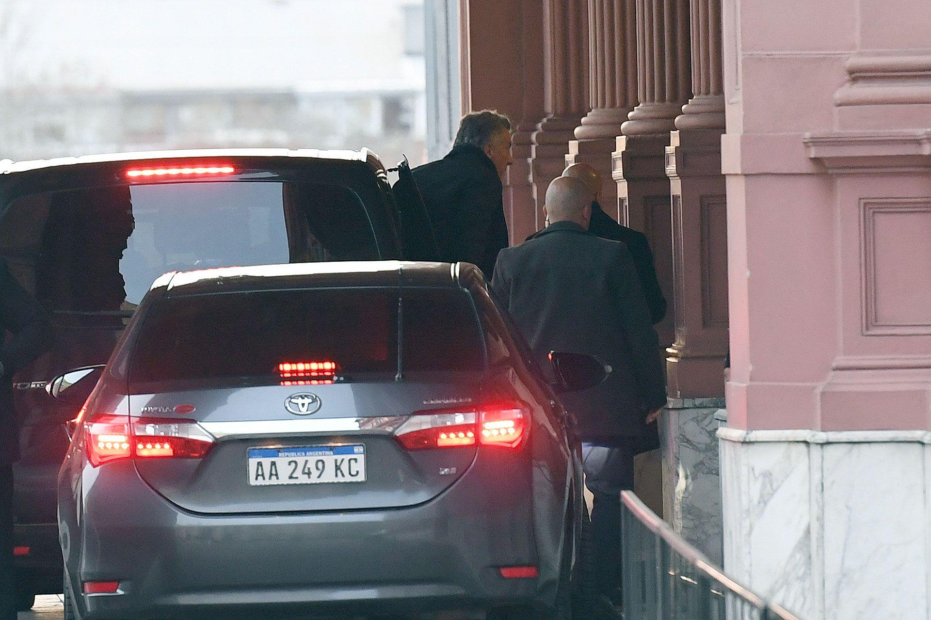 El Presidente llegó temprano a la casa de Gobierno