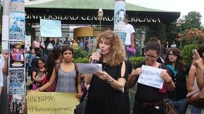Gioconda Belli, durante una manifestación por los derechos de las mujeres