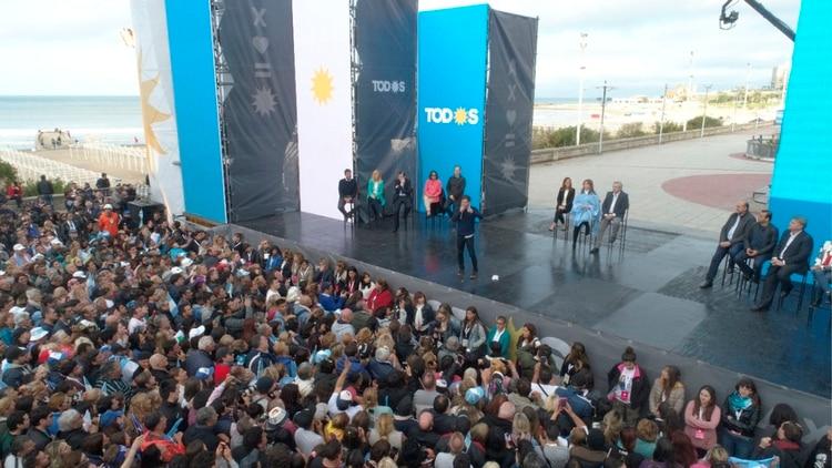 El candidato a gobernador del Frente de Todos Axel Kicillof (Frente de Todos)