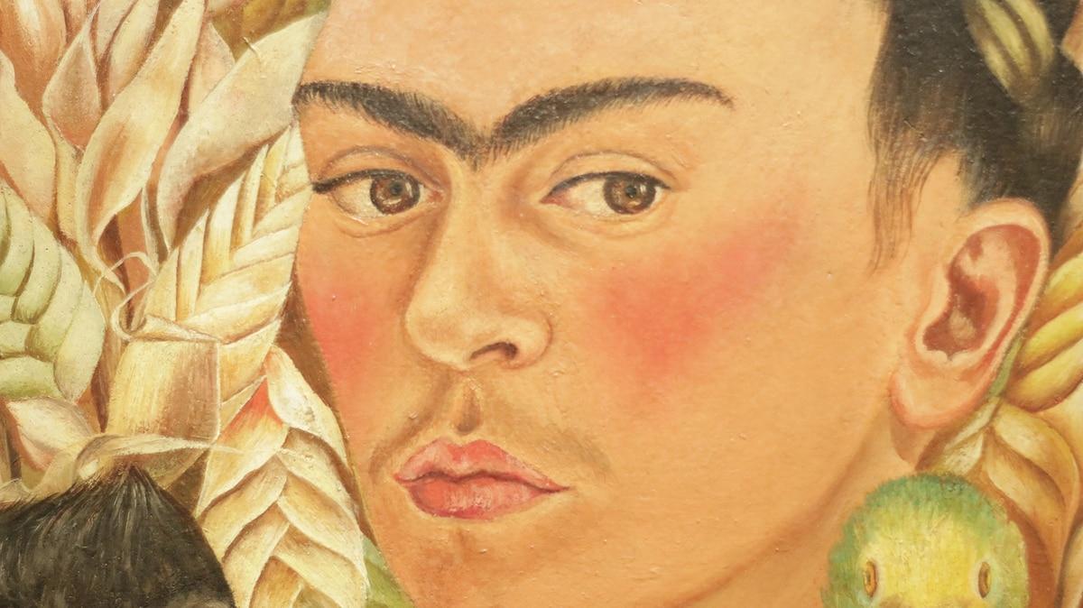 Cómo construyó Frida Kahlo su propio mito a fuerza de inteligencia ...