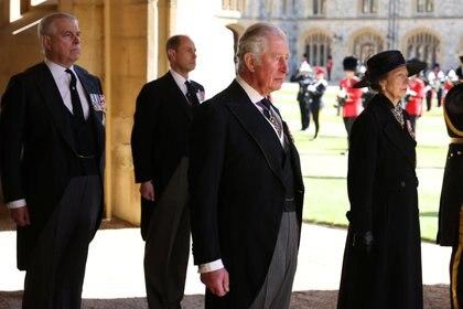 Los príncipes Carlos, Ana, Andrés y Eduardo: los cuatro hijos de la reina Isabel y el príncipe Felipe