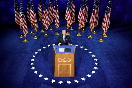 Joe Biden acepta la nominación presidencial demócrata durante su discurso pronunciado para la Convención Nacional desde el Chase Center en Wilmington, Delaware, el 20 de agosto de 2020 (REUTERS/Kevin Lamarque)