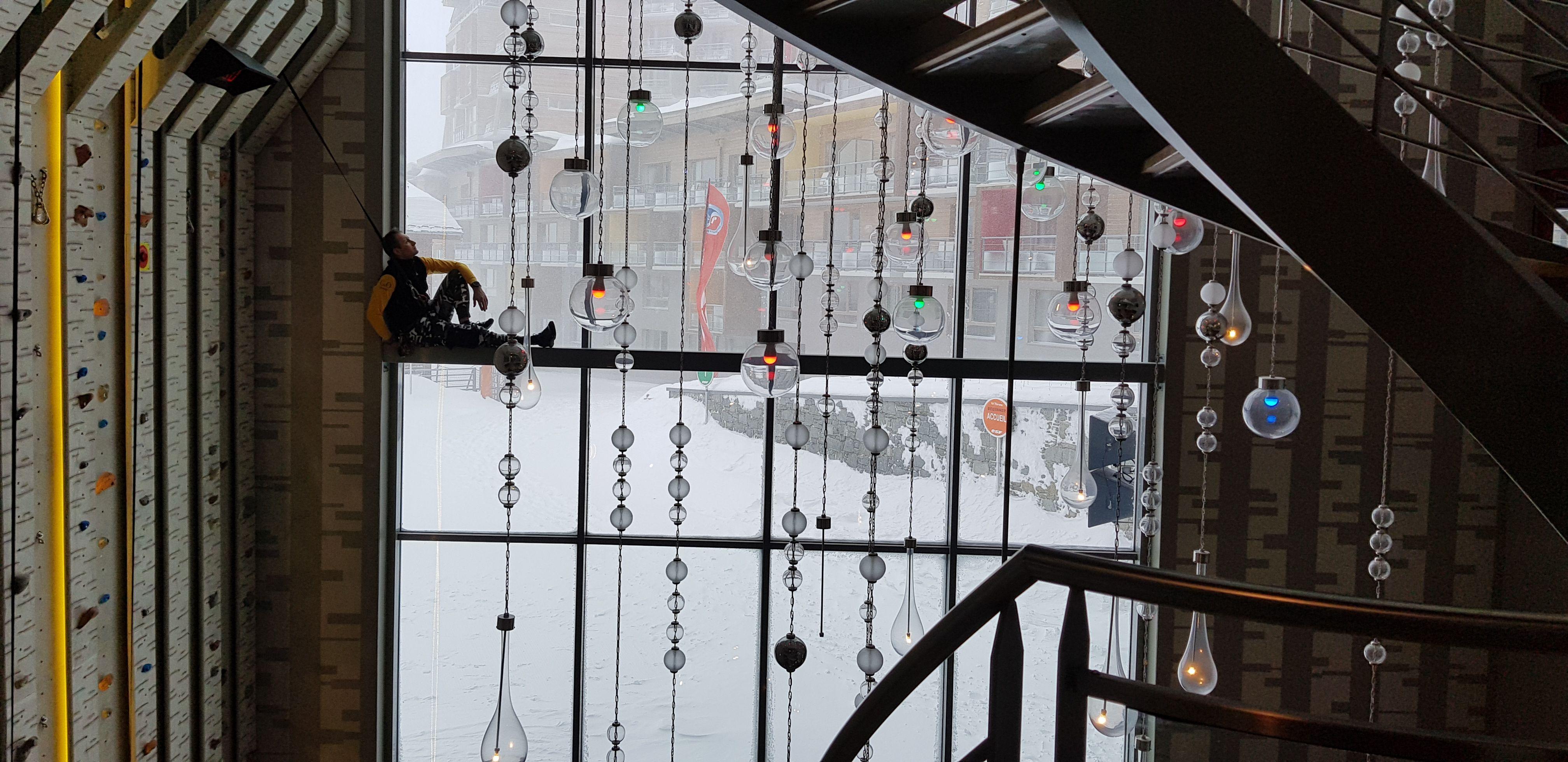 A la izquierda, la palestra, al lado del lobby. Afuera, un temporal de nieve que desplomó la temperatura hasta los 12 grados bajo cero.