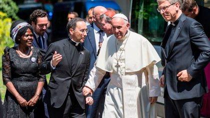 Monseñor Mauricio Rueda Beltz con el papa Francisco. Foto: Vatican News.