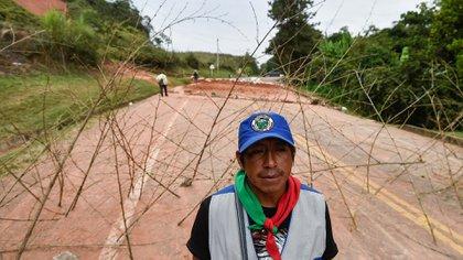 Los indígenas Nasa son la etnia colombiana más resistente contra la violencia de los actores armados legales e ilegales, recurrentemente adelantas protestas y paros para exigir cumplimiento a los acuerdos trazados con el Gobierno y respeto por la autonomía en sus territorios.