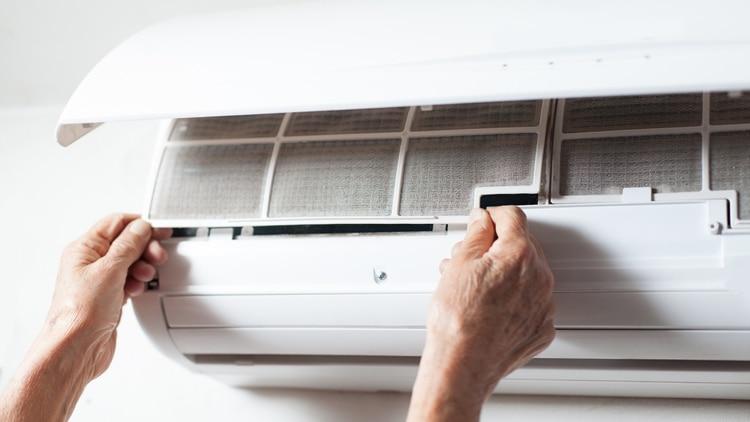 Es necesaria la limpieza de los sistemas de ventilación y climatización antes del inicio de cada temporada (Shutterstock)