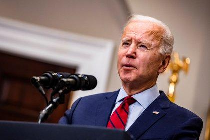 Joe Biden destacó la aprobación de la vacuna de Johnson & Johnson (EFE/EPA/Samuel Corum)