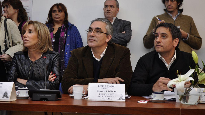 Remo Carlotto (centro), junto a Juan Cabandie (Adrián Escandar)