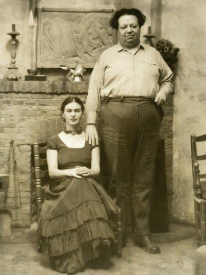 Frida y Diego en 1928, año de su boda (Foto: Sitio Web Museo Frida Kahlo)