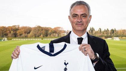 Mourinho ya dirigió su primera práctica