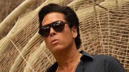 Palazuelos obtuvo su apodo de El Diamante Negro en un reality show (Foto: captura de pantalla Instagram/@robertopalazuelosbadeaux)