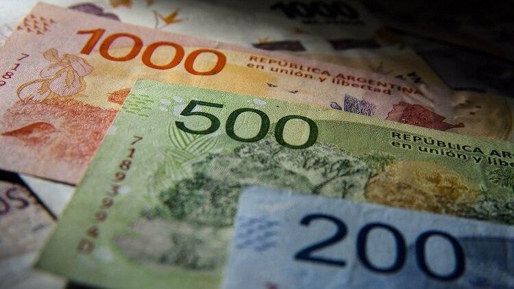En los próximos meses, se lanzará un billete con una denominación mayor a $1.000 (Adrián Escandar)