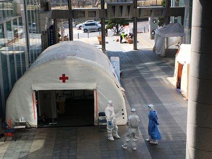 Un carpa para hacer pruebas de coronavirus en Seúl.  (Fotos cortesía: Andrés Felipe Solano)