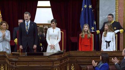 Boicot independentista, diputados de la coalición de gobierno que no quisieron aplaudir... las divisiones sobre la monarquía española quedaron el lunes de manifiesto en la apertura solemne de la legislatura, a cargo del rey Felipe VI.