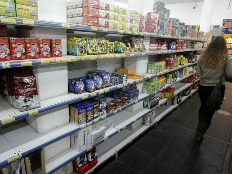 Algunos analistas entienden que puede haber faltantes en los supermercados por escasez en la capacidad de producción de las pymes