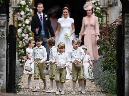 La Duquesa de Cambrigde estuvo a cargo del cortejo de niños