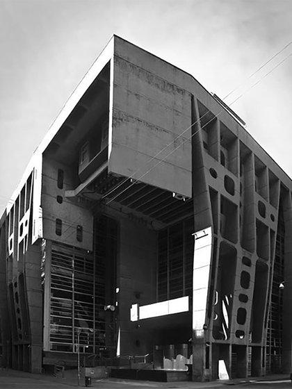 El extinto Banco de Londres y América del Sur, actual banco Hipotecario se encuentra en el barrio de San Nicolás (@jorgeiriarte.arq)
