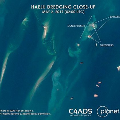 Las imágenes satelitales que muestran los barcos en la bahía de Haeju (C4ADS)