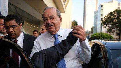 CIUDAD DE MÉXICO, 27NOVIEMBRE2019.- El ingeniero Carlos Slim Helú, durante su salida del 30 Congreso de Ingenieros Civiles de México A. C, el cual se realizó en el WTC. FOTO: GRACIELA LÓPEZ /CUARTOSCURO.COM