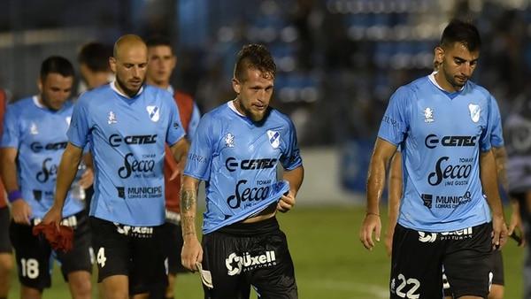 Temperley fue derrotado por 3 a 0 en su visita Godoy Cruz y descendió a la Primera B Nacional.