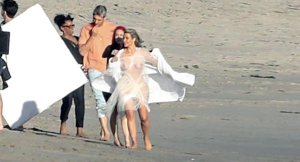 Kim Kardashian en Malibu. (Foto © 2018 Backgrid/The Grosby Group)