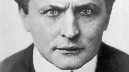 Harry Houdini, el escapista más grande de todos los tiempos