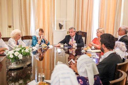 Los organismos de derechos humanos volvieron a la Casa Rosada para reunirse con el Presidente