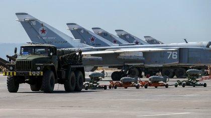 Desde la base aérea de Hmeimim Rusia bombardea posiciones del ISIS y de los rebeldes desde 2015(AP)