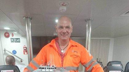 Vidam Perevertilov, regatista de 52 años casi muere al caer por la borda de su barco sin llevar salvavidas