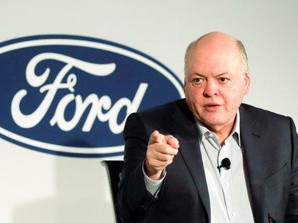Jim Hackett, CEO de Ford, anuncia su retiro