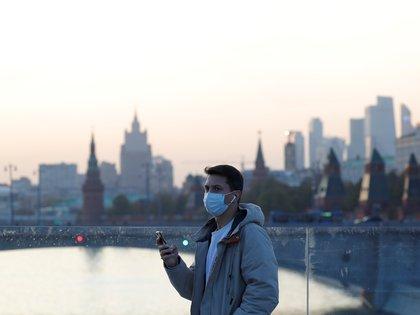 Los rusos deberán utilizar mascarilla en los espacios públicos (REUTERS/Evgenia Novozhenina)
