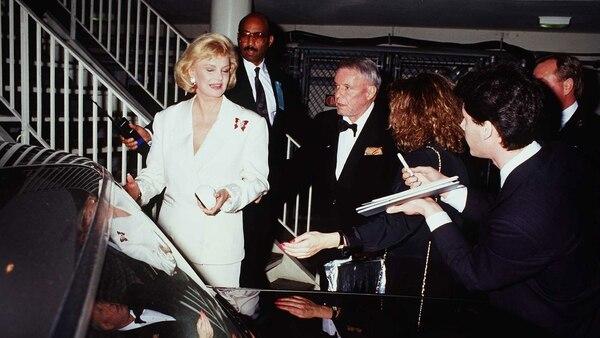 """El 14 de mayo lo llevaron de urgencia al hospital. Internado, cuando llegó su mujer Bárbara, Sinatra le preguntó: """"¿Puso el chofer de la ambulancia a sonar la sirena?"""" (Grosby Group)"""