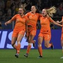 Netherlands' forward Lieke Martens (C) celebrates with teammates after scoring a goal during the France 2019 Women's World Cup round of sixteen football match between Netherlands and Japan, on June 25, 2019, at the Roazhon Park stadium in Rennes, north western France. (Photo by LOIC VENANCE / AFP)