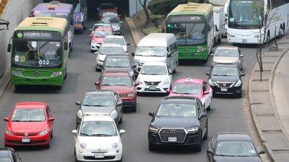 Con la Constancia Provisional podrán circular los vehículos que no concluyeron sus trámites. (Foto: Cuartoscuro.com)