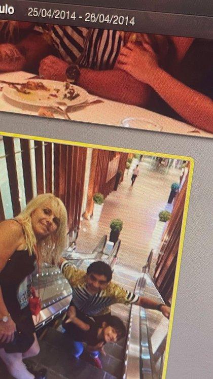 Claudia y Diego compartiendo una salida con su nieto Benjamín